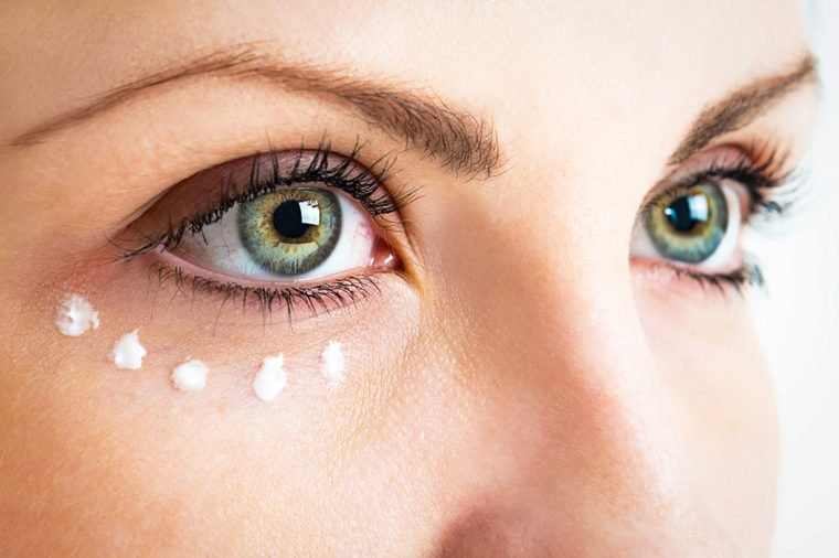 use of Moisturise under eye to remove dark circles