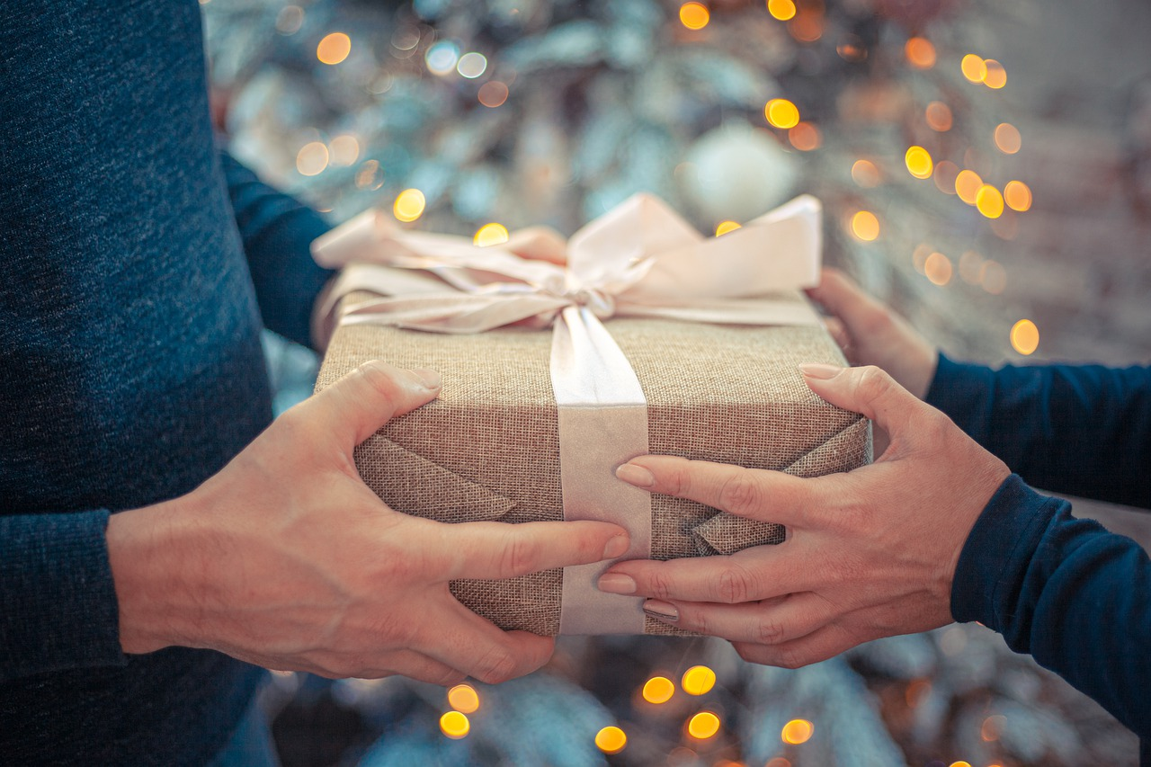 Gift Ideas to Ladies – For Husband Who Has Everything